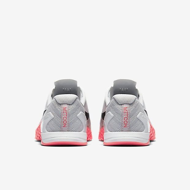 size 40 ced1e 90523 Chaussure Nike Metcon 3 Pour Femme Fitness Et Training Gris Loup Rose  Coureur Platine. Prix normal   111,76 €