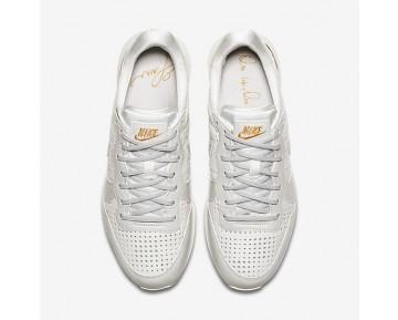 Chaussure Nike Internationalist Premium Qs Pour Femme Lifestyle Blanc Sommet/Or Métallique/Blanc Sommet_NO. AA1435-100